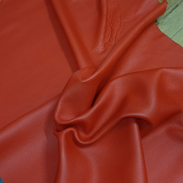 ANILINE LEATHER SIDE 2458